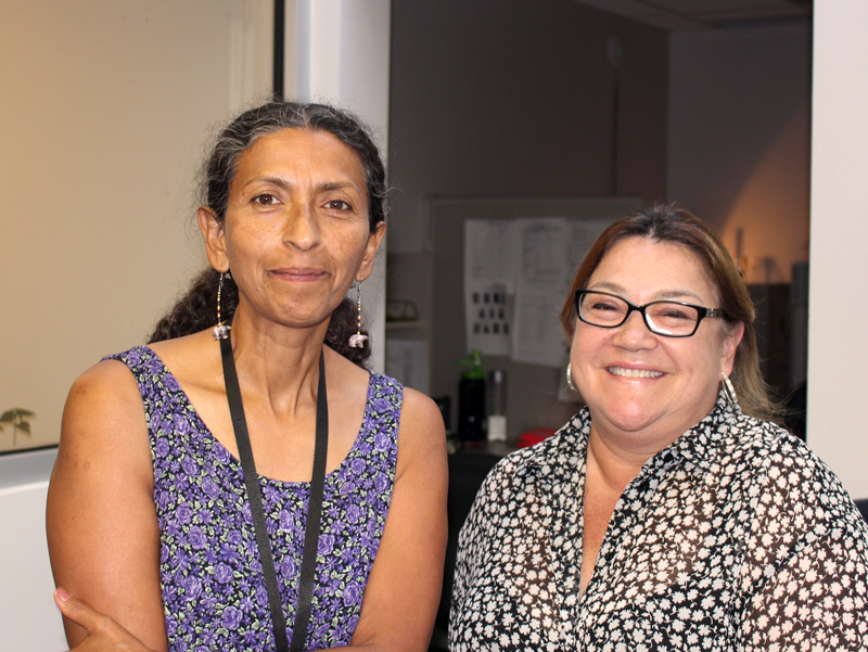 Margarita Perez-Pulido (left) with fellow CHW Kelly Morantes.